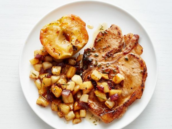 FNM_010116-Pork-Chops-with-Baked-Apples-Recipe_s4x3.jpg.rend.sni18col