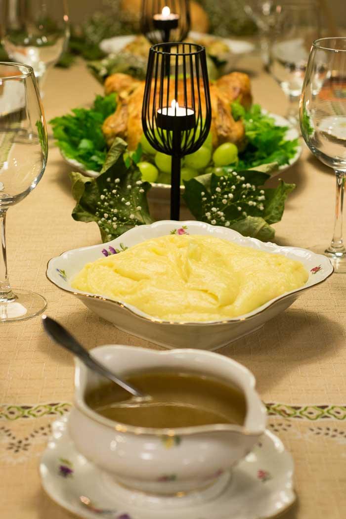 Gravy e purê de batatas